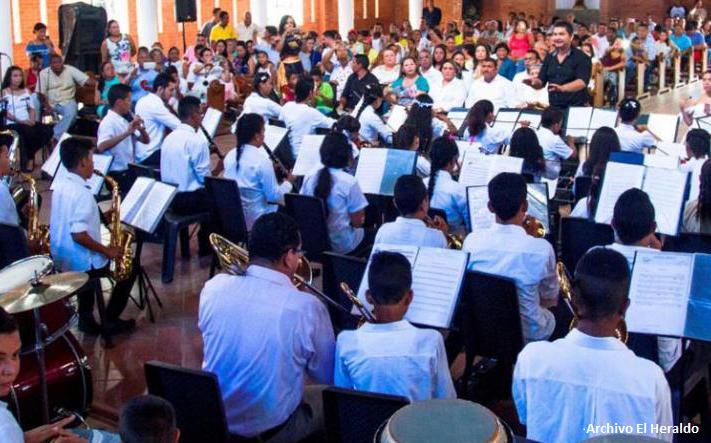 Drummond sigue trabajando con el Centro Orquestal Sinfónico de Becerril