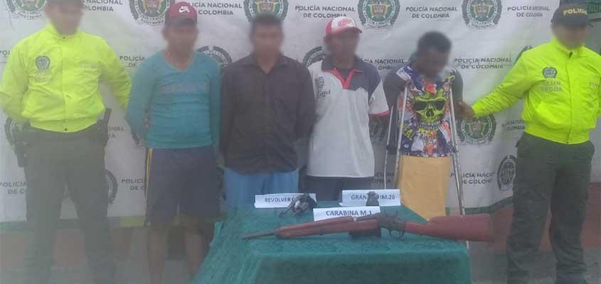 Denuncian que algunos integrantes de la comunidad Wayuú, están atracando en vías de la Guajira
