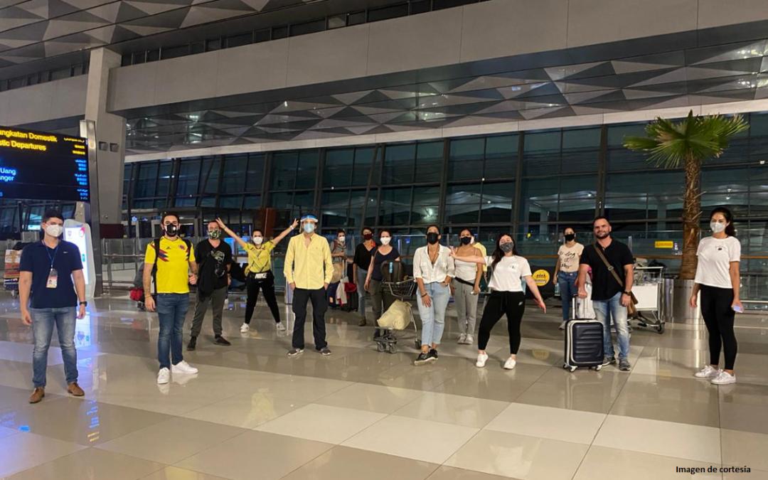 Miles de colombianos siguen regresado al país en vuelos de carácter humanitario