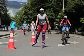 El INDER reactiva los espacios de ciclovías y piscinas públicas de Medellín