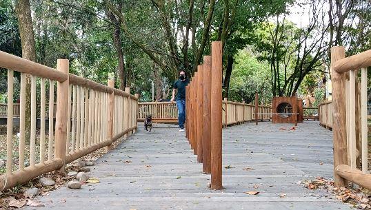 Con recursos de Presupuesto Participativo, Medellín tiene un nuevo parque canino en la comuna 11 – Laureles