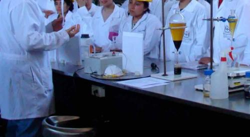 Audiencia pública para actualizar la regulación profesional de la ingeniería Química