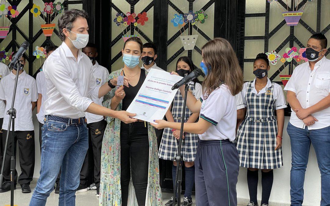 Alcaldía de Medellín beneficia a más de 17.000 estudiantes de colegios oficiales, al asumir el 100 % al asumir el valor de las Pruebas Saber 11