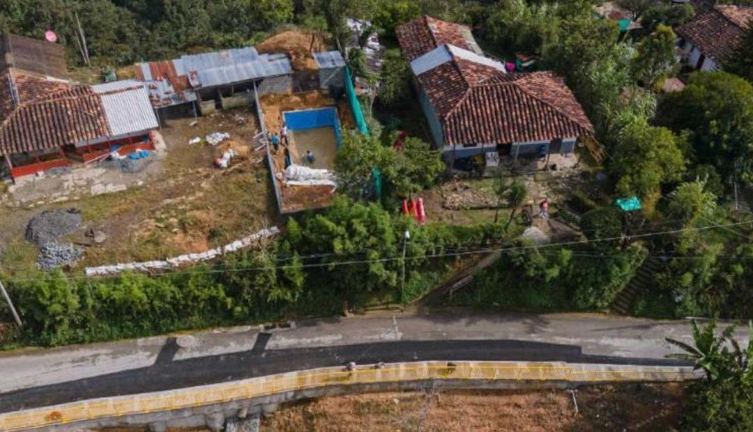 Avanzan obras de mitigación de deslizamientos en 18 puntos de riesgo de Medellín