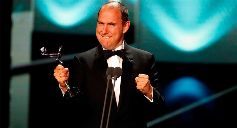 Andrés Parra fue galardonado como el mejor actor de TV en los premios Platino, entregados en España