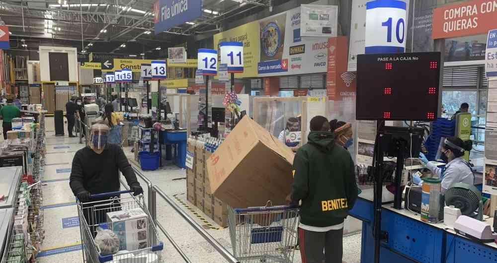 Más de 18 billones de pesos se prevén en ventas durante los tres 'Días sin IVA' en Colombia, según Fenalco y MinComercio