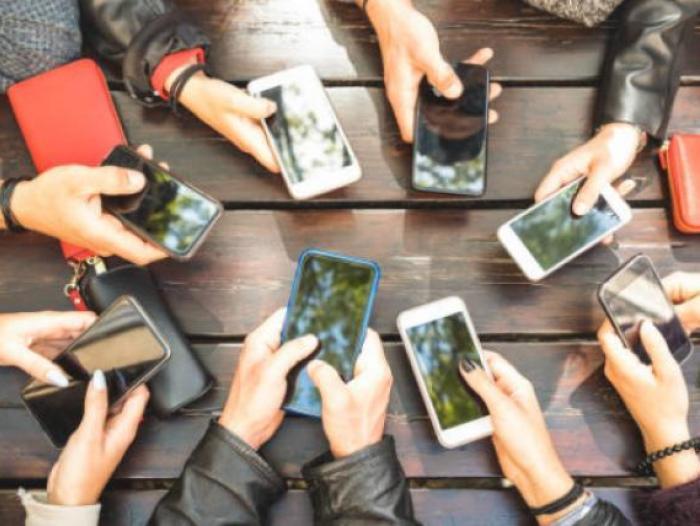 'Pescaron' en 'río revuelto': Llamadas telefónicas en Colombia crecieron 32%, tras el 'apagón' de las redes sociales